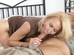 Mature cougar gets drilled