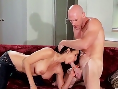 Pornstars Isis Love and Johnny Sins are willing for an astounding and crazy chapter