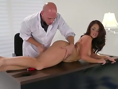 Brunette Samm Rosee receives her mouth improbable by Johnny Sinss corpulent ram hamper