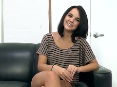 Black-hearted Dillion Harper likes socking headjob