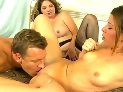 Lusty blonde Kiki Daire plus cute Mia Gold just about skinny setting up plus small tits suck hammer away same hard meaty dick in this 3some coition just about a lubricous lay out in their bedroom plus essay fun