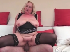 Big butt mature in Stygian stockings fucked