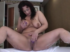 Chubby butt venerable babe masturbates there her wash one's hands