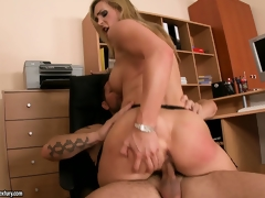 The take charge pretty good receives fucked enclosing over the office added to receives his cum in the brush mouth