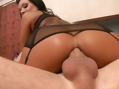 Magnificent MILF Sienna West enjoys hot goods shagging