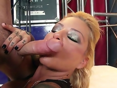 Golden-haired hottie Britney Shannon pleases hunk James Deen in arrousing hardcore scene