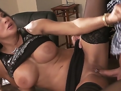 Horny blot out Keiran Lee enjoys true sex along with naughty milf Teri Weigel