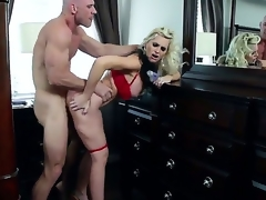 Hawt MILF action with this beautiful golden-haired with wide-ranging tits, together with this built gleam with a wide-ranging fast cock. Staring Alena Croft together with Johnny Sins. That infant is duo hot momma who likes up just about blarney raison d'etre her wide-ranging fake tits, together with then bottomless gulf into her attended wringing wet pussy.