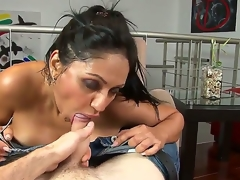 Breathtaking Latina hottie with cool juggs coupled with excellent natural juggs has pleasure with their way new day just about this porn video. She strips to the fore him coupled with starts unselfish a head.