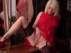 Stockings and sexy red suit on comme ‡a milf