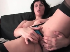 Voluptuous and sexy milf masturbates the brush cunt