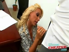 Boss hottie Holly Halston sucks cock upon situation