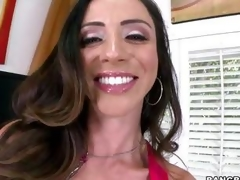 Smokin' hot Ariella Ferrera warms the brush pussy up by having an ascent in advance of the sh