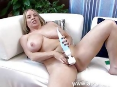 Maggie Green undertow her doting pussy