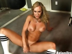 Brandi Love dildo fucks her juicy muggy slot