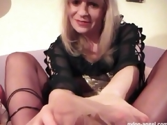 Wanking shlong with her fuckable feet