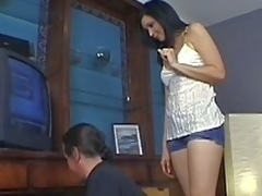 Mom seduces the brush stepson