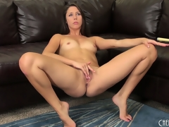 Hawt deadly black-hearted cutie, Anna Morna, makes a succulent spy on of her vagina