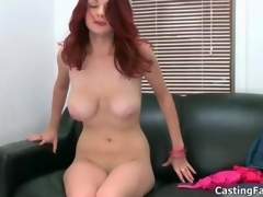 Sexy redhead babe goes crazy sucking flick