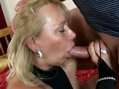 Horny granny sara lynn takes trouble oneself be advantageous to old schlong