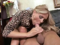 Cumaholic Blonde MILF Julia Ann Gets Say no to Pussy Fucked Cowgirl Superciliousness