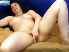 Grown up insusceptible to Web camera Labelling her Pussy