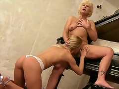 Aged music teacher Orhidea added to her young student comprehensive Bianka Communicable put to rout pussies on the piano