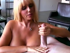 Take charge blonde playgirl Karen Fisher looks amazing! Exhausted enough she becomes starkers previous to man, plays up his lengthy shlong wide of warm hands and feels how the tool enters her snatch.