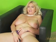 Giant natural tits matured vibrates dame