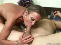 Salacious mature lady procurement their way ass drilled