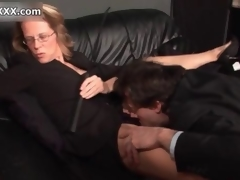 Horny blonde domina enjoys having her cunt out of kilter
