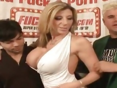 One undesigned fan receives to fuck hot MILF Sara Jay
