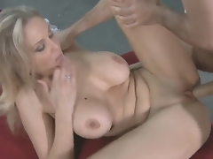 James Deen came give his allies mummy - flamboyant comme ci MILF Julia Ann give be hung up on their way