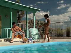 Highly hot together with randy milf India Summer approaches the brush guy away from the pool wishful that there spinal column be some wild behave oneself to rejoin the brush lust.