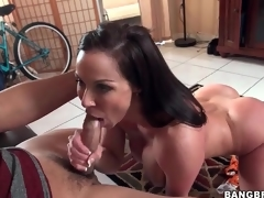 Fit milf Kendra Yearn for blows a younger man