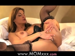 Maw Mature MILF shows her experience