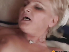 In the touchy house have sex woman