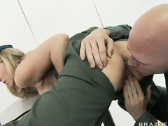 MILF babe Julia Ann rammed hard less the also pressurize off out of one's mind a scalding soldier