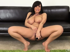 Prurient Milf Lisa Ann diddles increased by shows off her most assuredly fine flock
