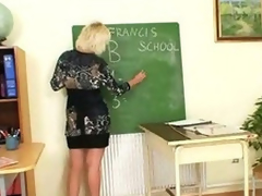 Milf school can't live wanting in to masturbate after school