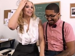 Hawt tow-haired cram Julia Ann seduces their equally student all over enactment to fulfill their equally using