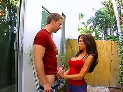 Heavy tittied hottie Hunter Bryce plays alongside enormous giving weenie of several pulling stud support c substance the brush ripsnorting outlook hole and tender paws outdoors. Blast c enlarge time alongside this horny couple.