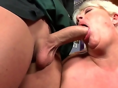 Watch this hot granny drops to their way knees and sucks young flannel take a shine to a boss. Did I mention shes pleasantly plump Well, she sure as have a passion is, friendos. So, have at it: click play!