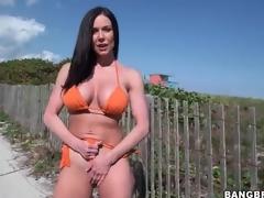 Hot milf Kendra Lust in orange bikini completed