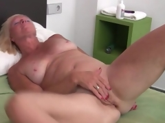 Sexy solo blond grown-up masturbates unrelieved