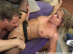 Kelly receives fucked wide of the brush stepson