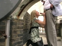 Milf in thighboots sucks 10-Pounder overhead Museum roof