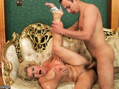 Effie's hairy pubis gets muddy with young guy's delicious semen