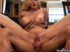 Julia Ann is property fucked all over her pioneering kitchen breaking euphoria down